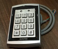 STAND ALONE ACCESS CONTROL KEYPAD AND RFID READER